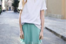 04 a mint pleated skirt, a white tee and grey Converse