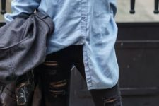 07 black ripped jeans, a chambray shirt and boots