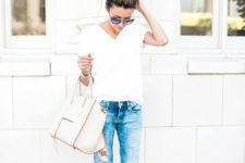 07 ripped skinnies, a white tee and blush heels