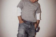 11 grey jeans, a grey sweatshirt, grey sneakers