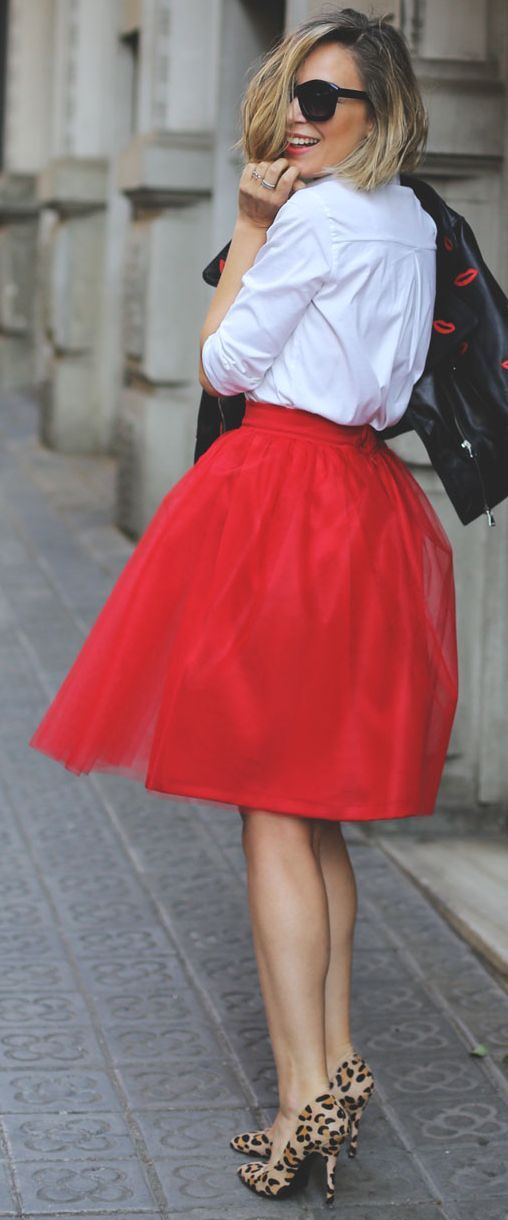 red tulle skirt, leopard shoes, a white shirt and a black leather jacket