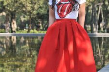 12 metallic heels, a midired skirt and a printed tee