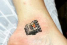 Book with orange heart on the ankle