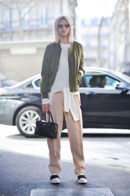 21 Feminine Pale Pink Pants Outfits - Styleoholic