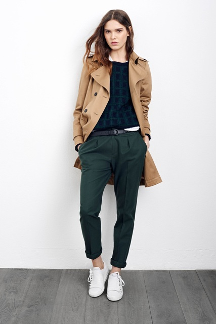 With printed sweatshirt, white sneakers and camel coat