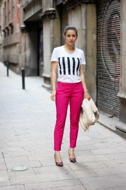 With printed t shirt and striped shoes
