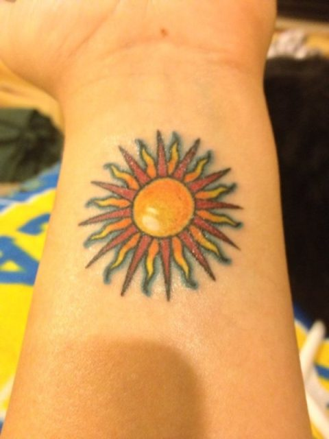 22 Small Sun Tattoo Ideas For Ladies Styleoholic