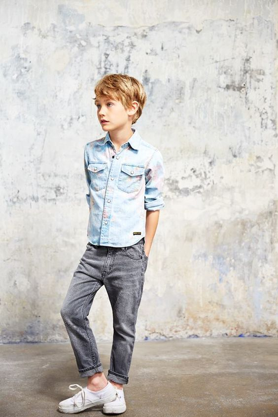 48784581f11 18 Stylish Little Boy Outfits To Wear This Spring - Styleoholic