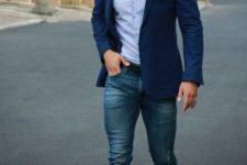 03 jeans, a blue shirt, a bold blue jacket and black shoes