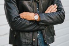 05 black jeans, a chambray shirt and a black leather jacket