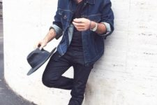 06 navy jeans, a black tee, a blue denim jacket and chucks