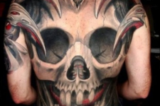 08 the entire back draped with a giant skull