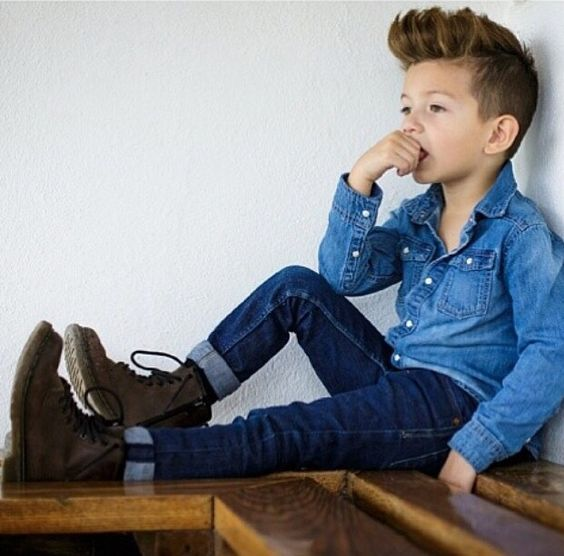 navy jeans, a chambray shirt and brown boots