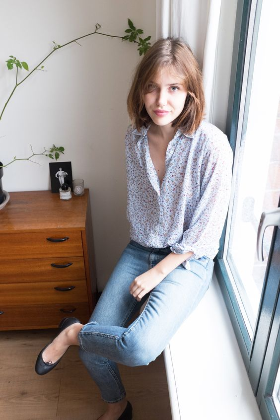 Picture Of Jeans And Flats Outfit