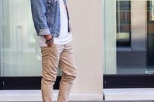 13 beige pants, a white tee, a denim jacket and white sneakers