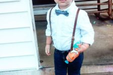 13 navy jeans, a mint shirt, a blue bow tie and brown shoes
