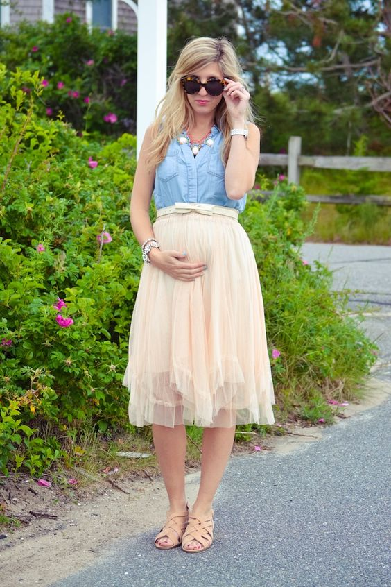 a blush midi skirt, a chambray top and sandals