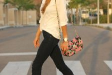 16 black cropped jeans, bold blue heels and a white shirt with a cute floral crossbody bag