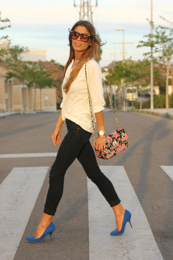 black cropped jeans, bold blue heels and a white shirt with a cute floral crossbody bag