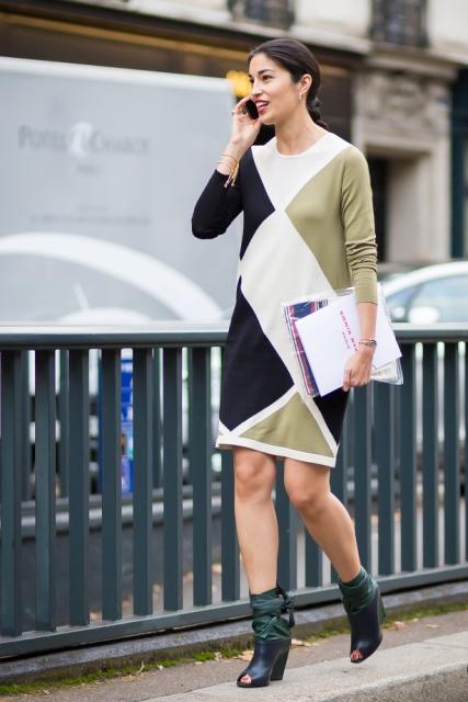 With geometric print dress