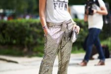 With printed top and metallic clutch