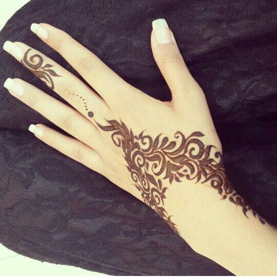 18 Henna Wrist Tattoos That Are Very Cute , Styleoholic