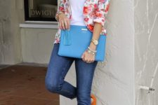 08 blue jeans, a white top, a bold floral blazer and orange heels