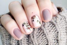 08 lavender and white floral nails – just two for a delicate accent