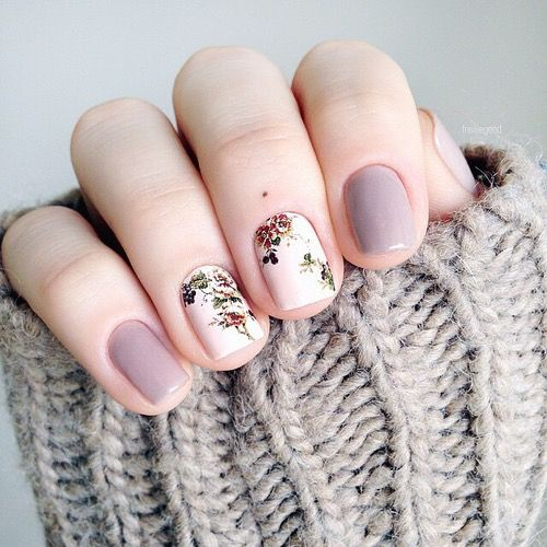 lavender and white floral nails - just two for a delicate accent