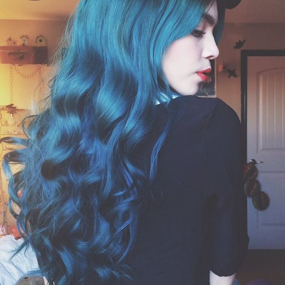 ombre hair from bold blue into teal looks wow