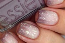 17 soft purple into neutral manicure with glitter