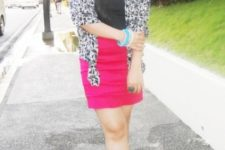 With black shirt, leopard blazer and black and pink shoes