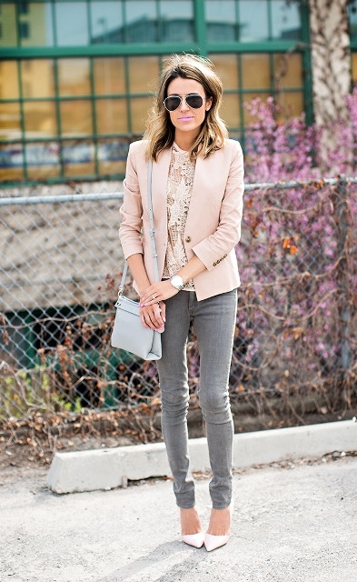 With blouse, gray jeans and white shoes