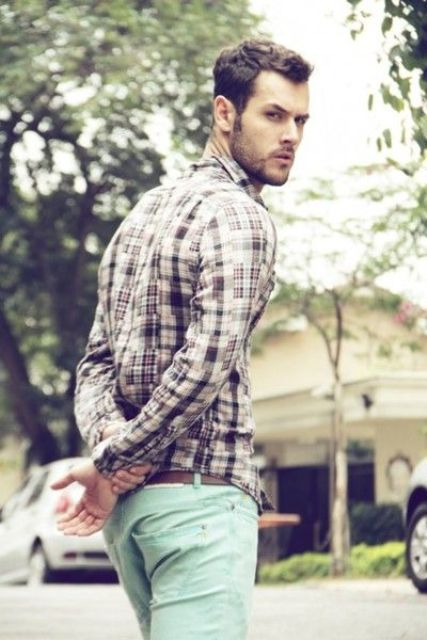 Casual spring outfit with checked button down shirt