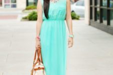 With colorful necklace, platform sandals and two color bag