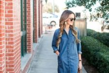 With denim dress and tote