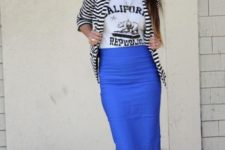 With t-shirt, striped blazer and leopard flats