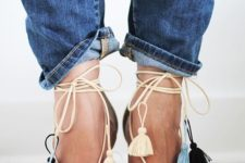 03 beige heeled sandals with colorful tassels