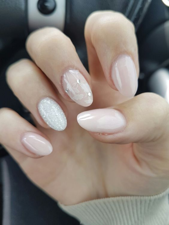 20 Chic Nail Art Ideas For Almond Shape - Styleoholic