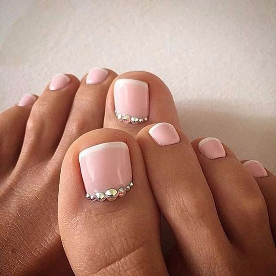 blush toe nails with pearls scream the sea