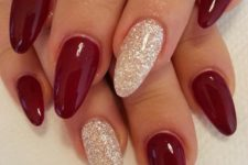 05 hot red and white glitter nails for the winter