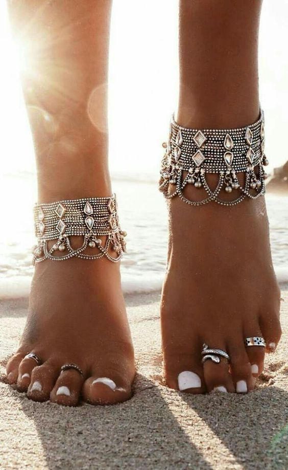 statament beach anklets with layered chains and large rhinestones