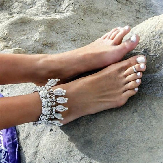 shell and rhinestone anklet