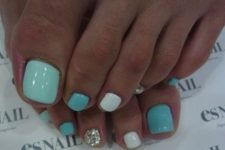 08 turquoise, aqua, white and silver nails can be rocked at a beach party