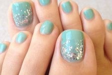 10 aqua toe nail with silver sequins