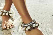 10 statement anklets with large rhinestones and pearls