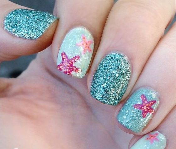 aqua nails and glitter turquoise ones, starfish decor