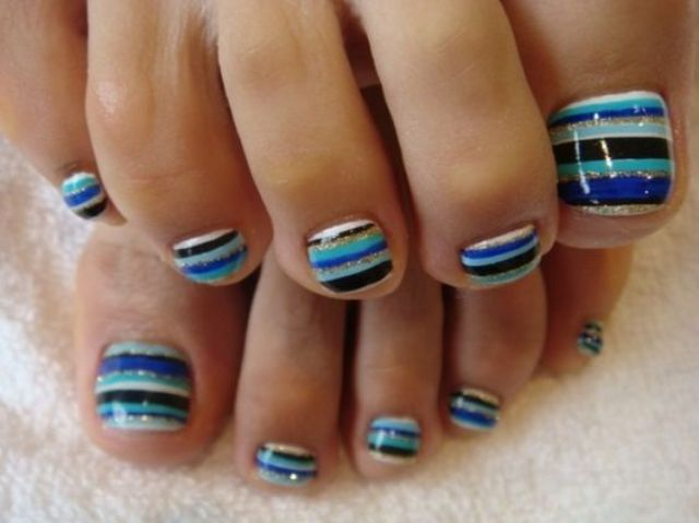 striped toes in the sea-inspired shades
