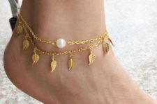 16 leaf and pearl gold chain anklets
