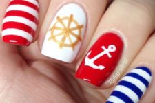 19 seaside nail art with striped, an anchor and a wheel
